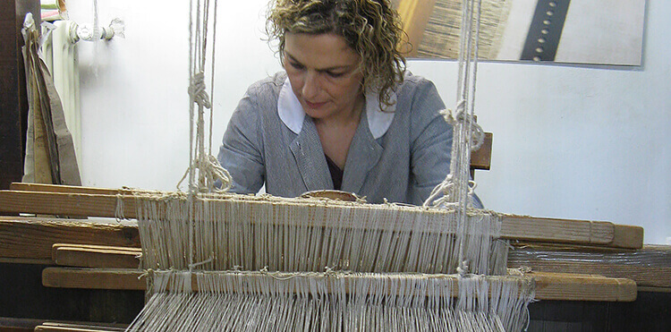 The Tela Umbra weaving co-operative is just one of the art workshops in Umbria we visit.